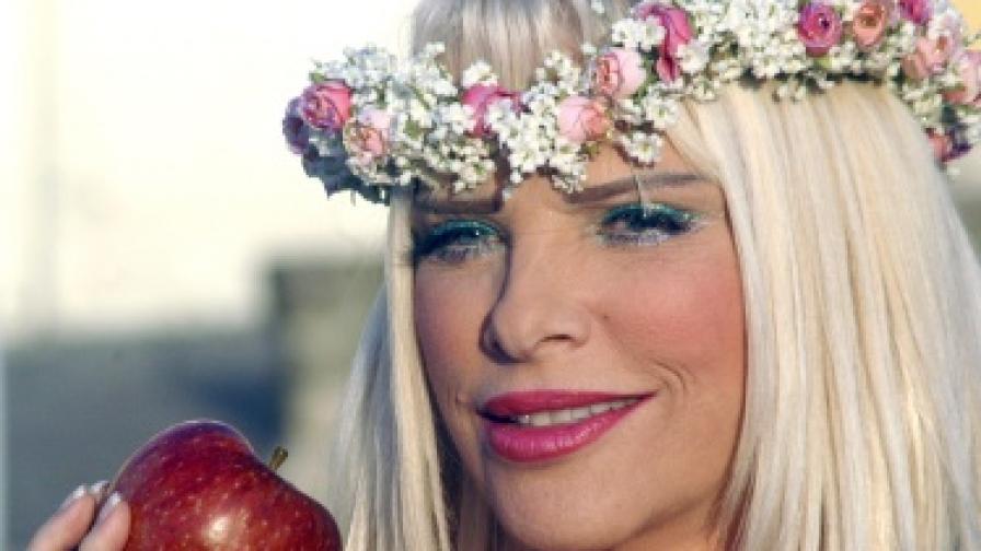 Бившата порнозвезда Чичолина ще участва в общинските избори в Рим