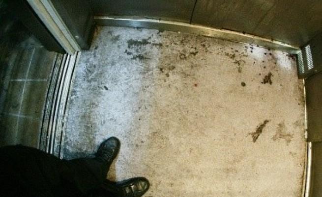 Паника в УАСГ заради скъсано въже на асансьор