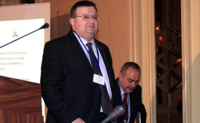 Прокуратурата назначава експертиза за изтритите СРС-та