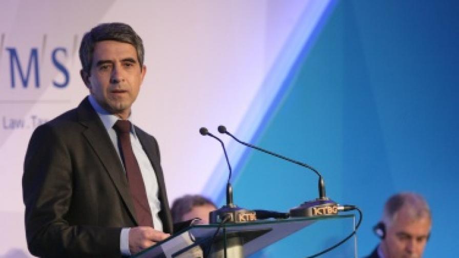Плевнелиев: Конституционното управление не е само формално