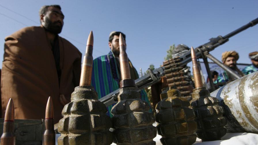 Талибаните плениха пътници от аварирал хеликоптер