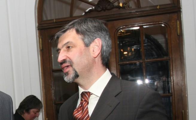 Посланикът ни в Лондон очаква до 10 хиляди българи да пристигнат във Великобритания