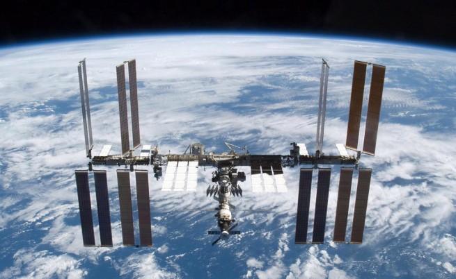 Всяка държава да почиства космическите си отпадъци, призовава ЕКА
