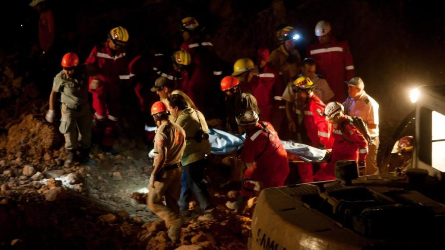60 души загинаха при срутването на златна мина в Судан