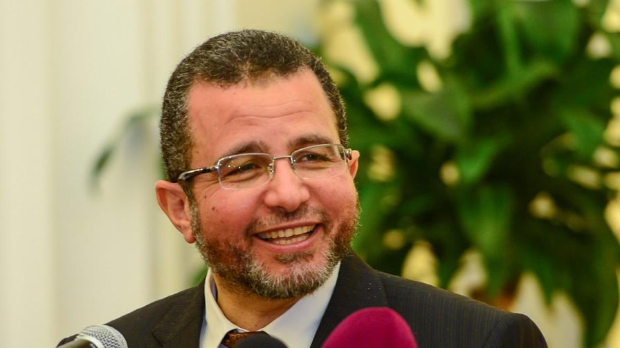 Кортежът на египетския премиер попадна под обстрел