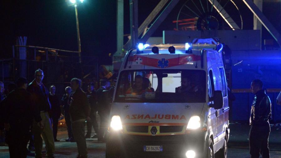 Кораб разруши кула на пристанище Генуа
