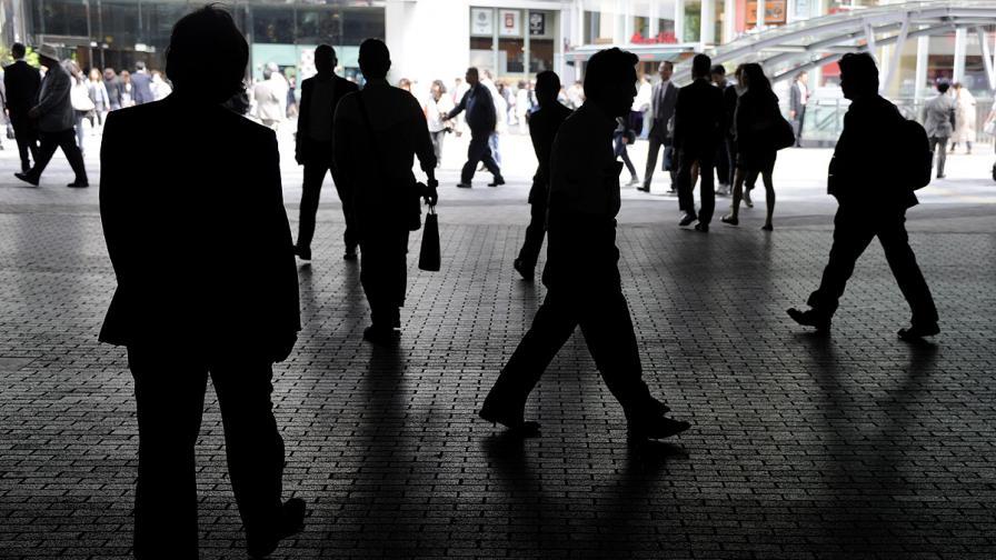 Все по-малко европейци гледат благосклонно на ЕС, сочи ново допитване