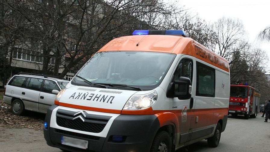 Спасиха 85-годишен мъж, пропаднал в 18-метров кладенец