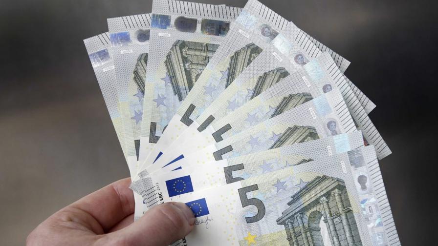 """""""Евростат"""": Рязък спад на разполагаемия доход"""