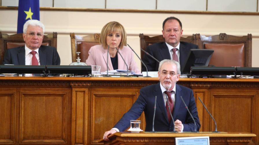 Борисов: Хубаво е, че Орешарски вече уцелва имената на министрите