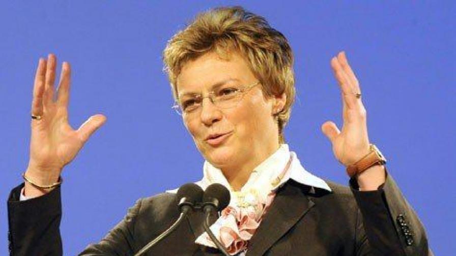 Германският евродепутат от ЕНП Моника Холмайер е и член на Специалната комисия по организираната престъпност, корупцията и изпирането на пари