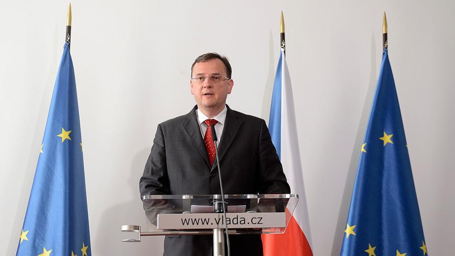 Въпреки арестите чешкият премиер не мисли да подава оставка