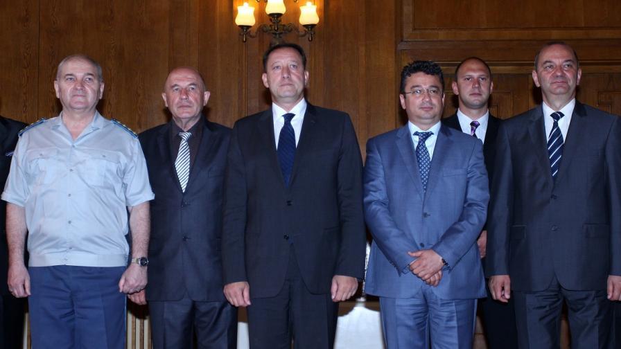 Министърът на отбраната представи своя екип