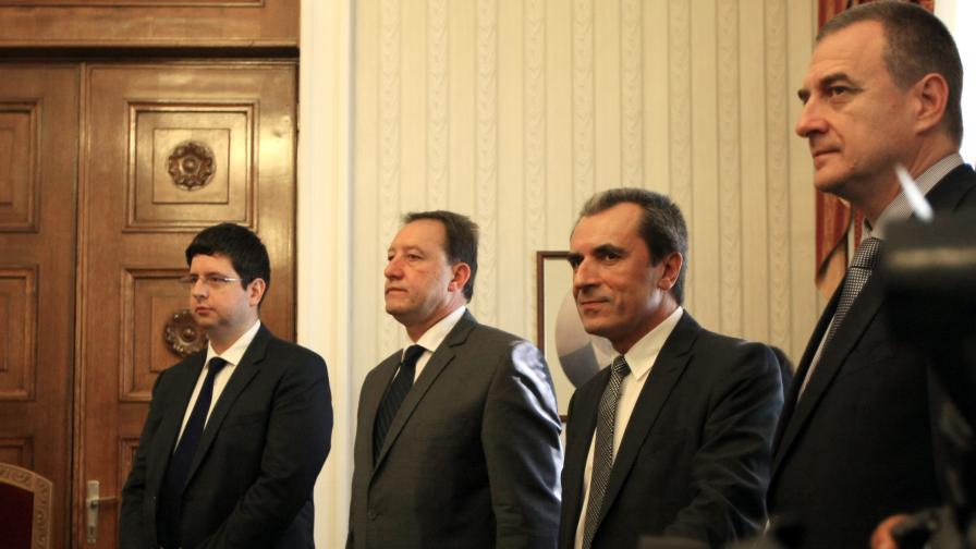 Чобанов: Трябва работещ парламент да подкрепи мерките