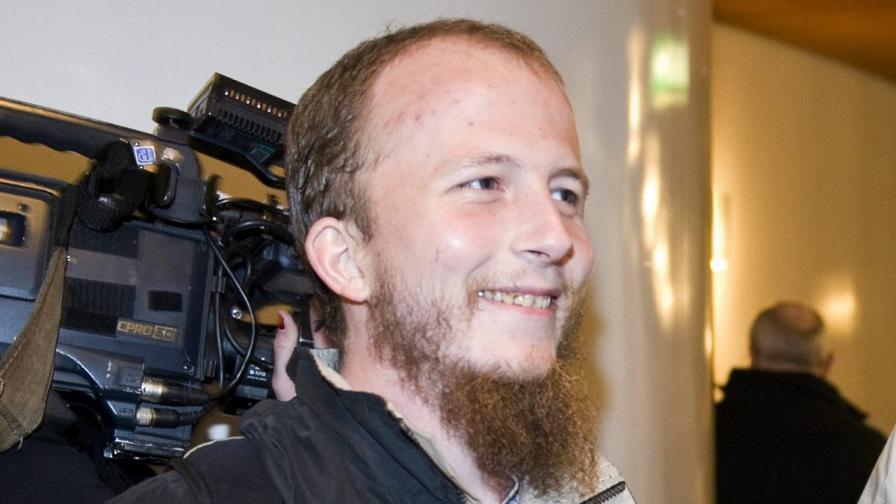 """Осъдиха съоснователя на """"Пайрът бей"""" за хакерска атака"""