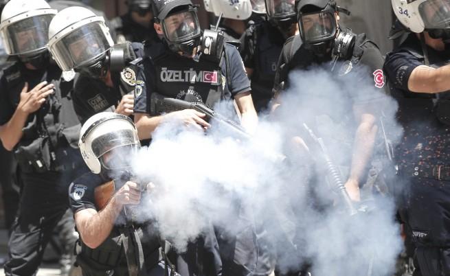 Турция е най-големият клиент на САЩ на сълзотворен газ и гумени куршуми