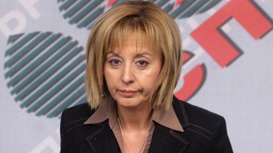 Манолова: Оставката на Орешарски не е в интерес на българите