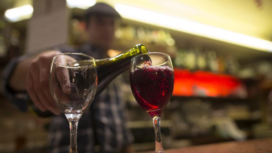Как класическата музика влияе на виното