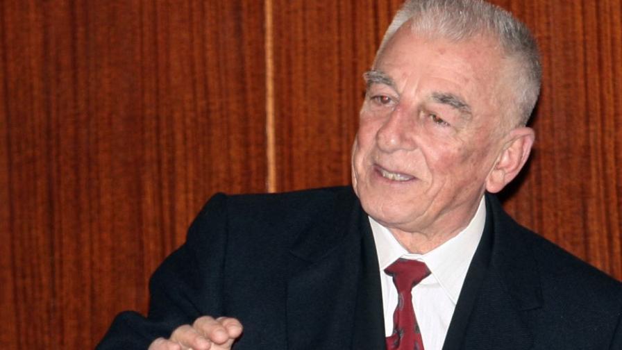Борис Карладимчев е роден на 30 март 1933 г.