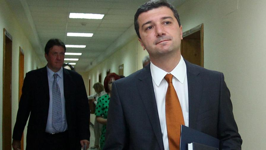 Драгомир Стойнев - министър на икономиката и енергетиката в правителството на Орешарски