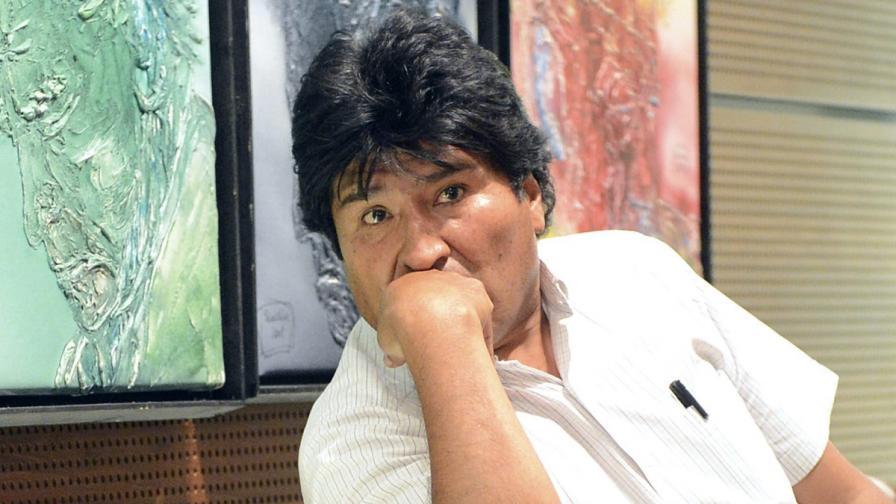 Слух, че спасяват Сноудън със самолета на боливийския президент