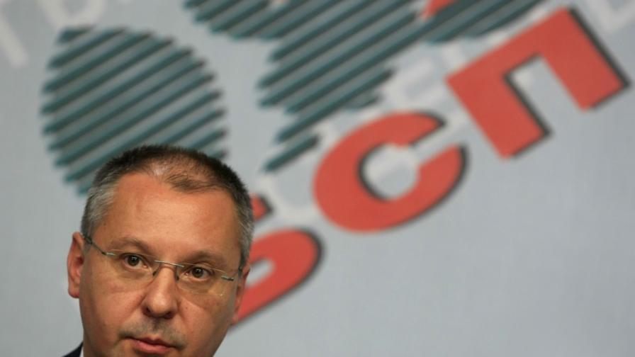 Станишев: Няма да превръщаме президента в мъченик