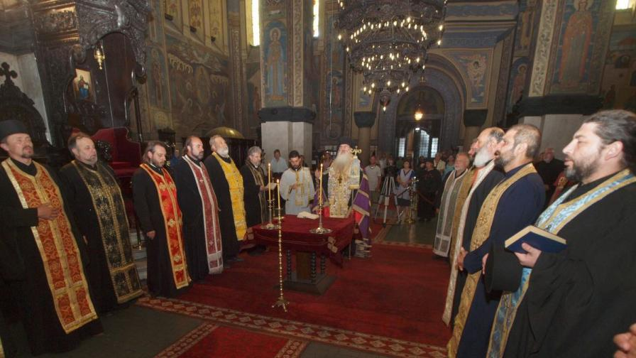 На епархийския избор за Варненски митрополит днес ще бъдат избрани двама епископи