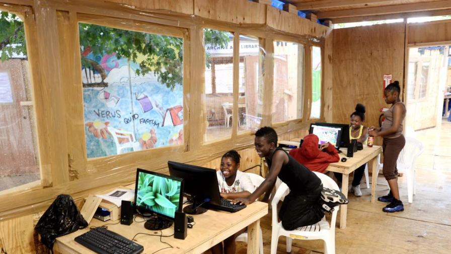 Расте броят на персоналните компютри в Куба