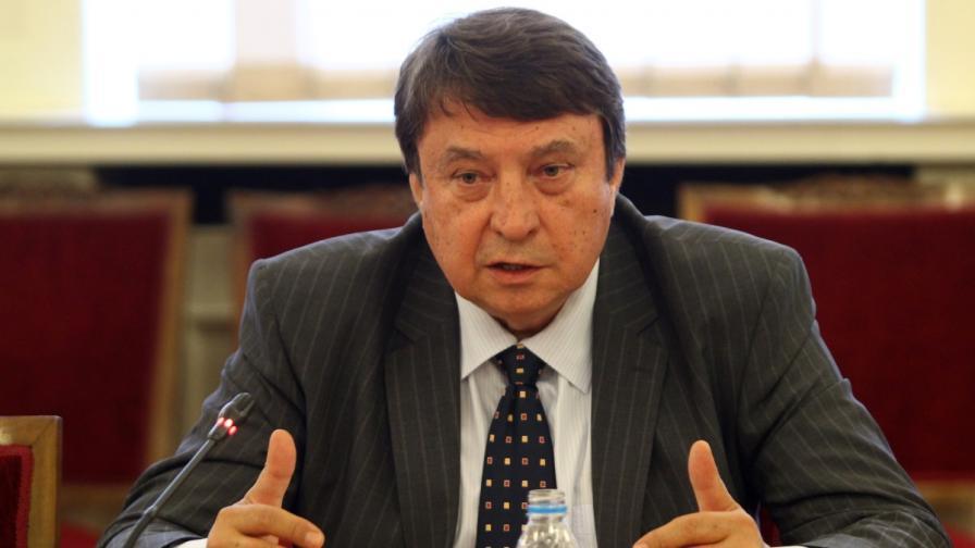 Червеняков от БСП е гласувал против избора на Писанчев