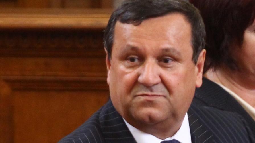 """Адемов обеща мерки, за да не се губят средства по ОП """"Човешки ресурси"""""""