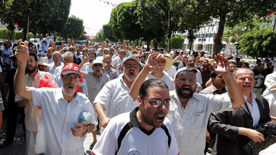 Тунис: Едно оръжие, две политически убийства