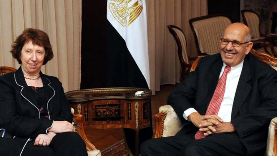 Заведоха Катрин Аштън на среща с Морси