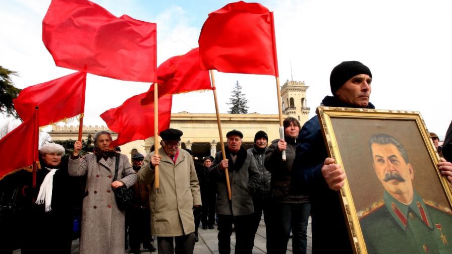 Връщат паметника на Сталин в родния му град
