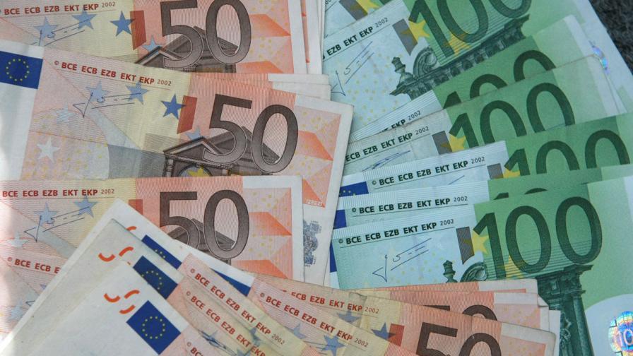 Спасителните фондове на еврозоната изплатиха 4 млрд. евро на Гърция