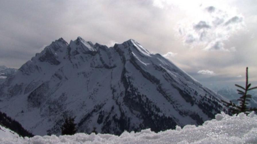 Лавина уби шестима в италианските Алпи