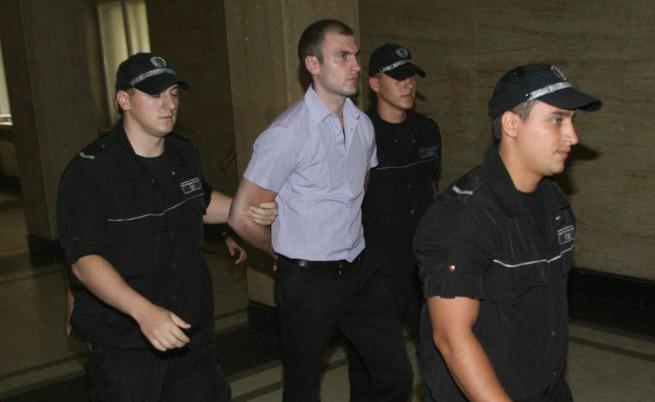 Доган се отказа от частен иск срещу Енимехмедов