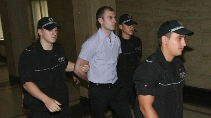 Октай Енимехмедов, обвинен в умишлен опит за убийство на Ахмед Доган