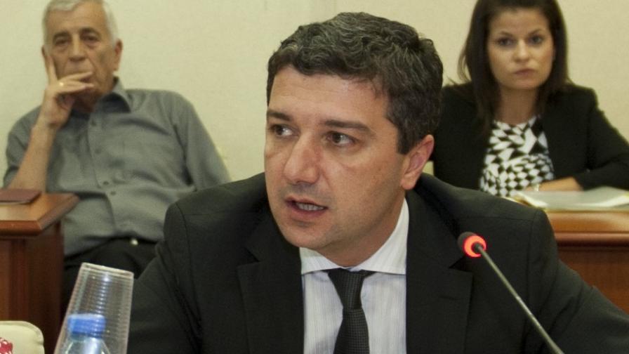Министър Драгомир Стойнев