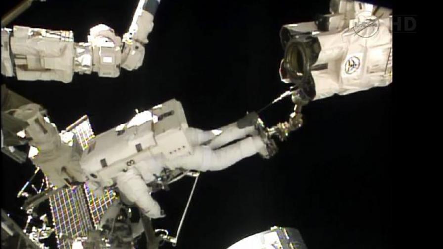 Космическата разходка на Юрчихин и Мисуркин приключи успешно