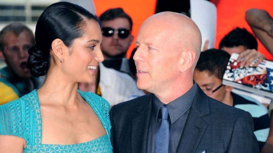 Брус Уилис заедно със съпругата си Ема Хеминг