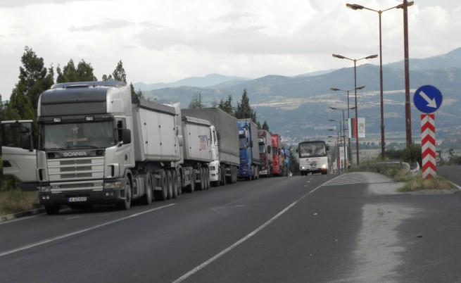 Турция запазва таксите за българските превозвачи