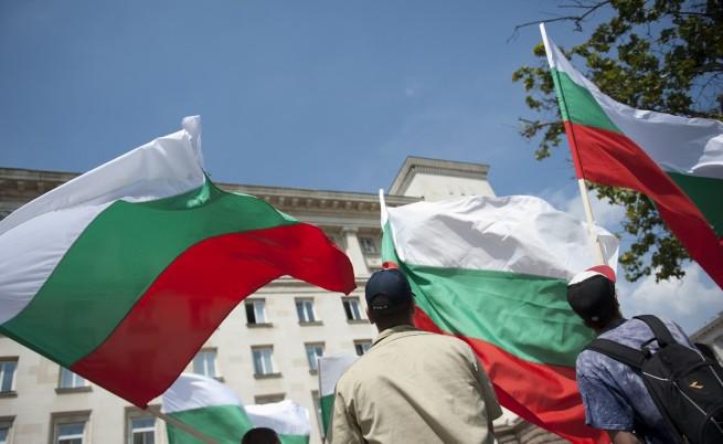 МВР и БСП очакват автобуси и напрежение на протестите утре