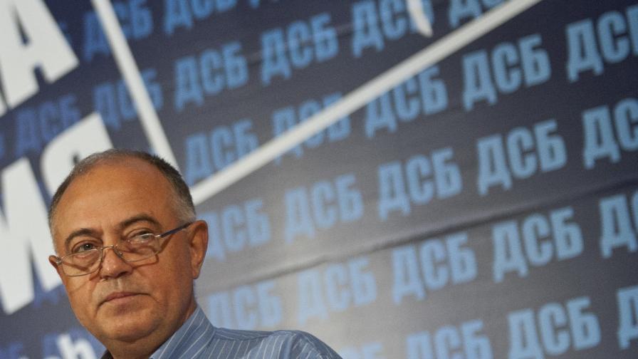 Ген. Атанас Атанасов: Прокуратурата е въвлечена в подслушване на протестиращи
