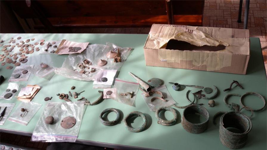 Голямо количество антики са иззети във Видинско