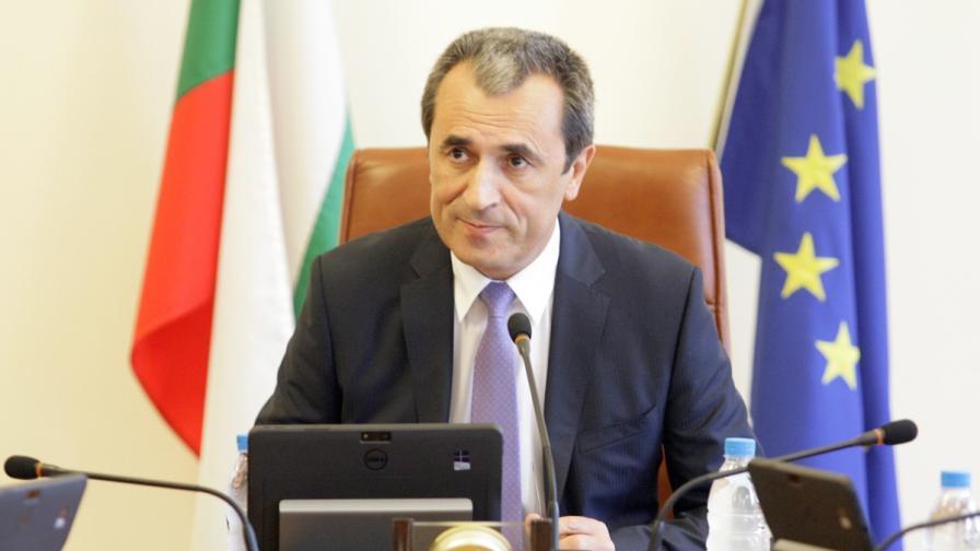 Юрист: До 5 г. грозят Орешарски заради скандалната закана