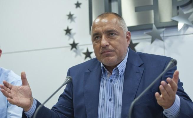 Борисов: Разсъждавам като демократ - избори моментално