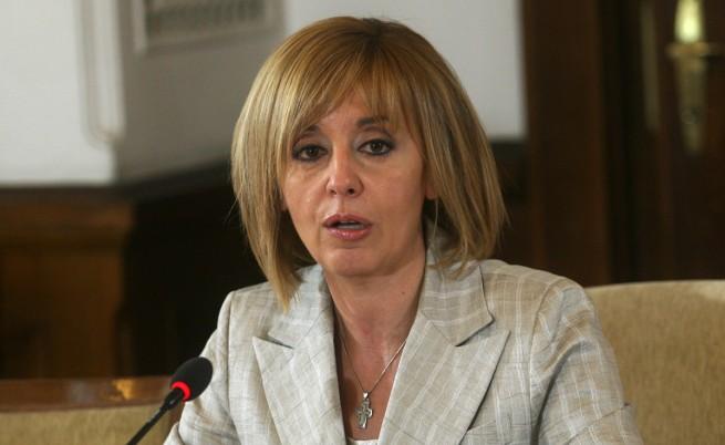 Манолова: Втора листа начело с Калфин работи за Борисов
