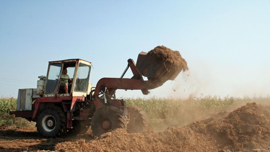 60 тона тор разнесоха непоносима миризма в Пловдив