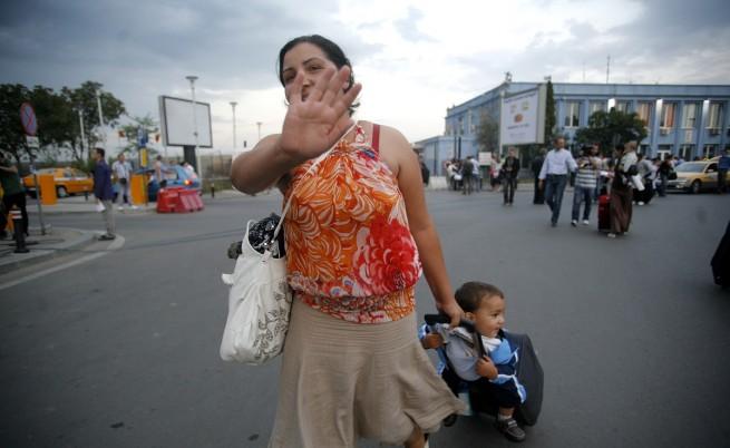 100 български роми бяха изгонени от най-големия ромски лагер в Лил