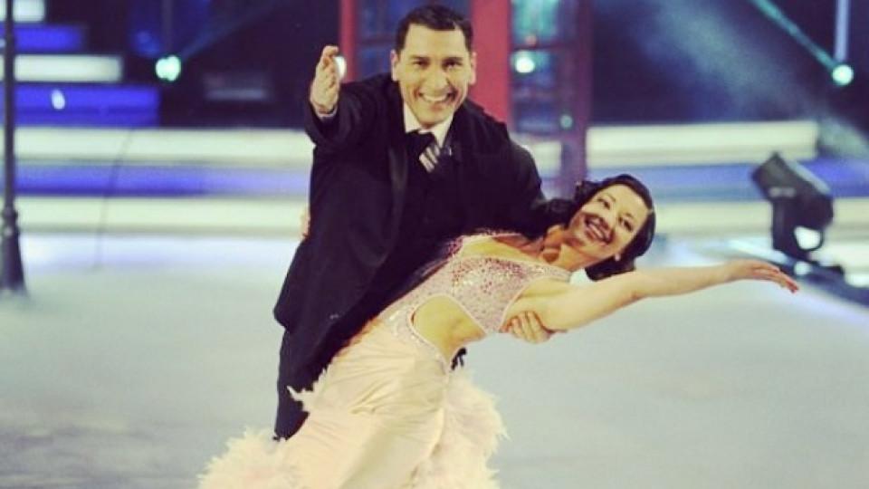 """Ралица Мерджанова и тв водещият Румен Луканов по време на един от лайфовете на """"Dancing Stars 2013"""""""